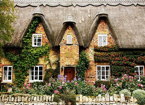 cottage cotswolds another fabulous cotswolds cottage i noticed the