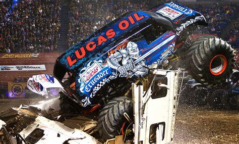 monster trucks jam videos monster jam photos minneapolis monster jam december7 2013