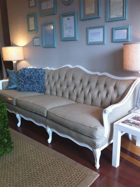 big  wedding  sofa   rent