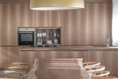 Cucine In Noce by Cucina In Noce Con Piano In Legno E Marmo Cucine Design