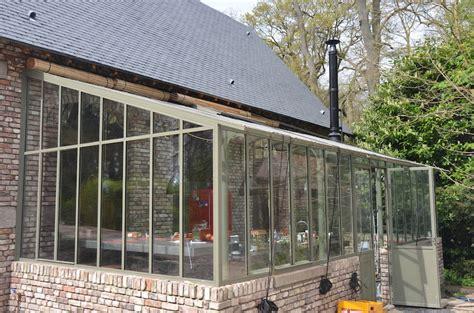 cuisine originale une réhabilitation originale avec de grandes baies vitrées