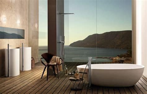 Freistehende Badewanne Die Moderne Badeinrichtungbadezimmer Mit Natursteinwand 2 by Freistehende Badewanne 20 Inspirierende Designs F 252 Rs Bad