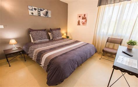 hotel a nimes avec dans la chambre chambres hotel à bellegarde en camargue entre arles et nîmes