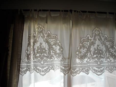 rideaux dentelle anciens