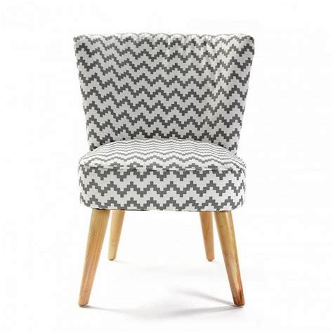 tablier de cuisine rigolo fauteuil sans accoudoirs pied de poule blanc gris