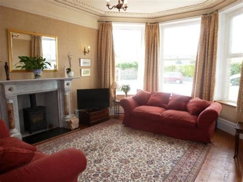 Red And Beige Living Room Ideas : Beige And Red Living Room