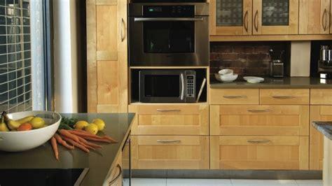 moulure cuisine des moulures pour transformer des armoires rénovation