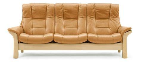 nettoyer un canapé en cuir beige clair conseils d 39 entretien