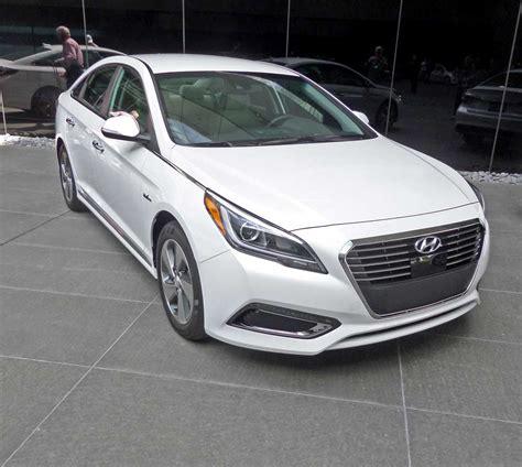2016 Hyundai Sonata Hybrid & Plugin Hybrid Test Drive