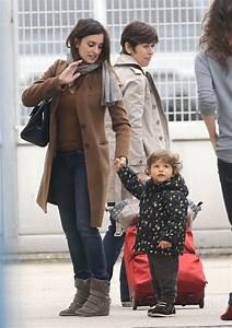 Penelope, Javier & Leo Land In Paris   Celeb Baby Laundry