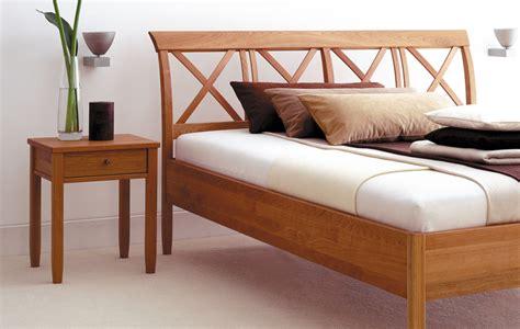 Ruhe Und Raum by Ruhe Raum Massivholzbett Toscana Betten Kraft