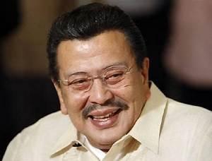 Manila's Estrada in new role in politics of scandal | Reuters