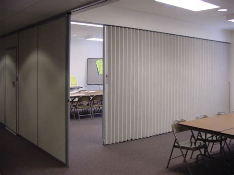 folding wall folding partitions and walls the basics from hufcor the