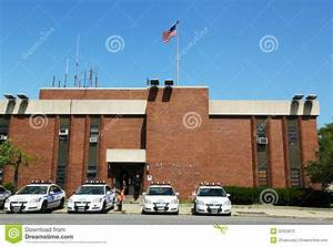 Bureau New York : police cars in the front of nypd 61st precinct in brooklyn ~ Nature-et-papiers.com Idées de Décoration