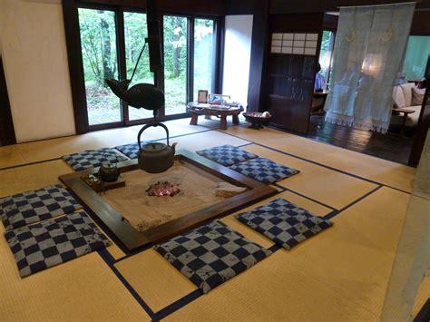 Real Deal Road Trip #14 Visiting Japanese Ryokan Jules