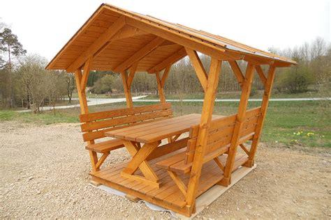 Loungemöbel Mit Dach by Gartenbank Mit Dach Exterieurideen F R Gartenbank