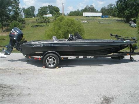 Bass Boats For Sale Gallatin Tn by 2003 Chion Boats 187 White Bluff Tn For Sale 37187