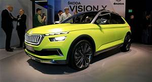 Skoda Vision X : skoda vision x concept previews next year 39 s compact crossover carscoops ~ Medecine-chirurgie-esthetiques.com Avis de Voitures