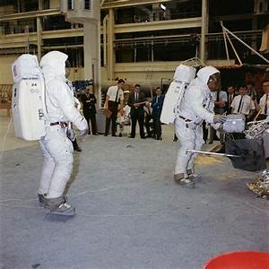 Neil Armstrong   Photo   Who2
