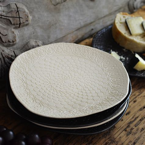 Ceramic Doily Plate ? Ecommerce   Beekman 1802