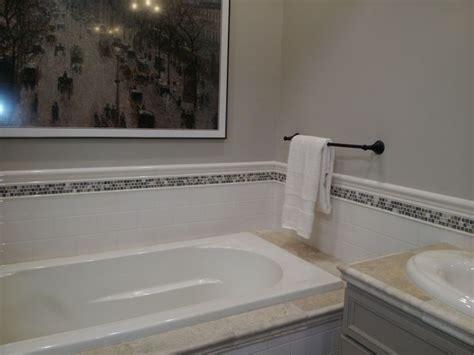 accent tile around bathtub bathrooms