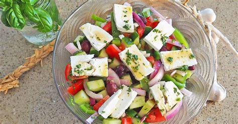 classic greek salad foodal