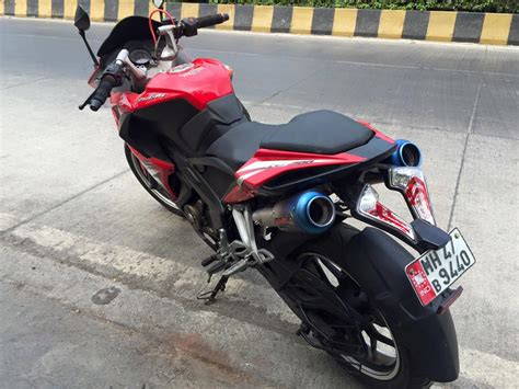 Bike Exhaust Modification by Modified Bajaj Pulsar Rs200 Looks Amazing With