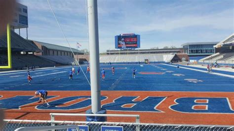 albertsons stadium home  boise state broncos