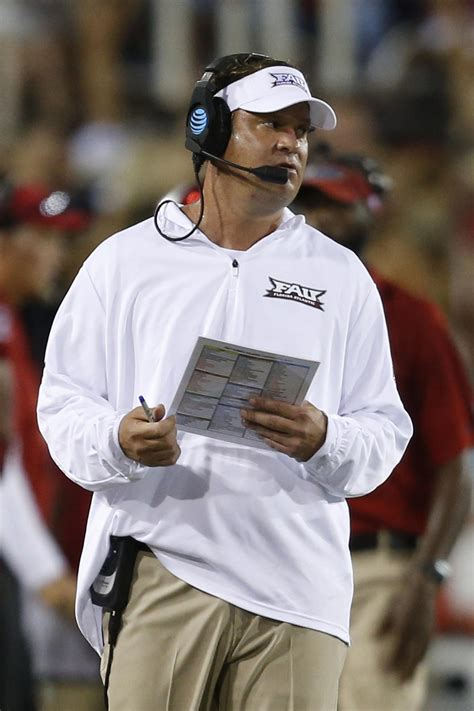 fau coach lane kiffin takes  twitter  assist