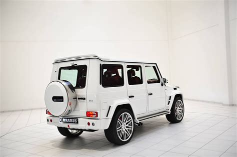 It is available in 6 colors, 3 variants, 2 engine, and 1 transmissions option: 2020 White Mercedes G Wagon   2020 Mercedes