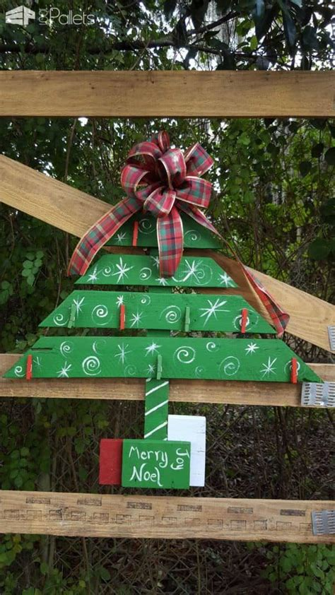 door christmas decorations sports team  pallets