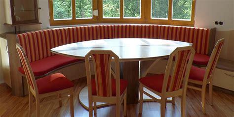 esszimmer mit bank und stühle esszimmer in amerikanischem nussbaumholz mit birke