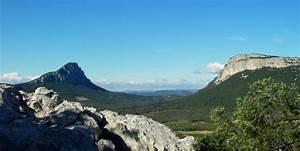 La Poste St Loup : le pic saint loup adt 34 h rault tourisme ~ Dailycaller-alerts.com Idées de Décoration