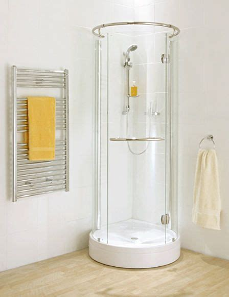 Shower Stall Designs Small Bathrooms by Best 25 Small Showers Ideas On Small Style