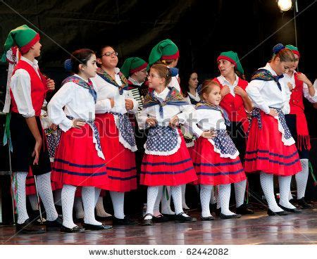 Traditional Italian Costumes for Girls