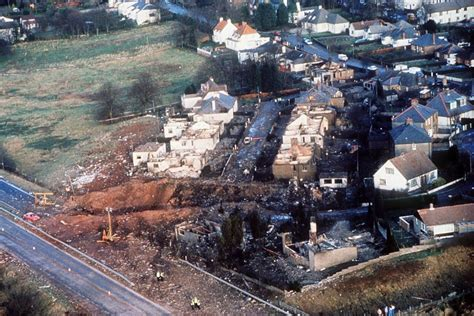 Crash Of A Boeing 747100 In Lockerbie 270 Killed