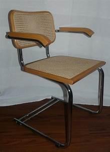 Freischwinger Stühle Klassiker : 4 stahlrohr freischwinger mit armlehnen buche korbgeflecht in m nchen designerm bel ~ Indierocktalk.com Haus und Dekorationen