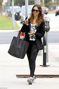 Jessica Alba Hits The Gym In Festival Crop Top And Wintry Hooded Fleece Daily Mail Online