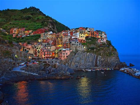 world travel places cinque terre beautiful city of italy