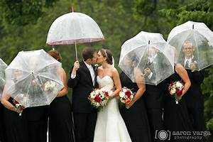 shannopin country club wedding With umbrella wedding photos