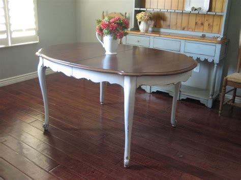 25+ Best Ideas About Distressed Kitchen Tables On