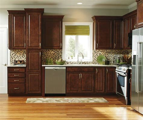 kitchens with oak cabinets pictures best 25 cherry wood kitchen cabinets ideas on 8797