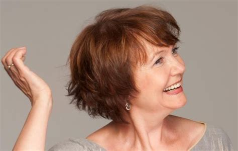 Long Hairstyles For Older Women: 7 haircuts