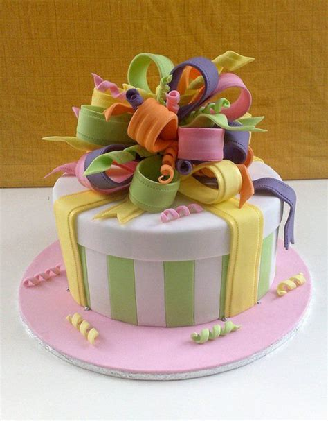 Coole Kuchen Ideen by Geschenk Mit Schleifen Torte Dekoration Backen