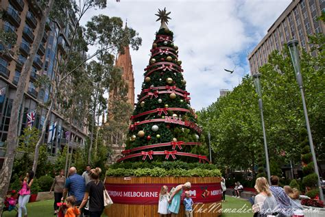 christmas decorations in melbourne day walk the