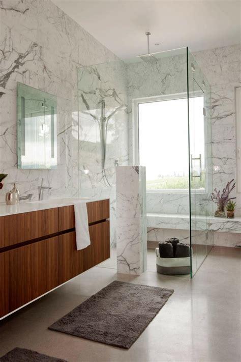 sol beton cire  interieur blanc dans une maison design super