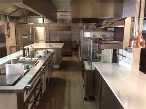 plan cuisine restaurant incroyable plans de travail cuisine sur mesure 4