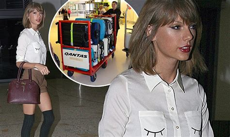 Taylor Swift Flies Out Of Sydney With Twenty Suitcases