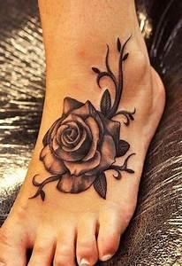 Rose En Tatouage : exemple tatouage belle rose femme pied avec arabesques tatouage femme ~ Farleysfitness.com Idées de Décoration