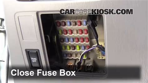 Where I Light Fuse 2003 Camry by Interior Fuse Box Location 2002 2006 Toyota Camry 2003